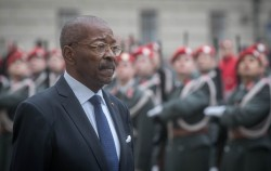 New Republic of Côte d'Ivoire Ambassador to Austria Roger Albéric Kacou presenting Letter of Credence to Austrian Federal President Alexander Van der Bellen at the Imperial Palace in Vienna<small>&copy www.bundespraesident.at / Daniel Trippolt / HBF</small>