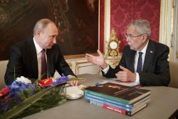 Official working visit of Russian President Vladimir Putin at the premises of Van der Bellen<small>&copy www.bundespraesident.at / Peter Lechner / HBF</small>