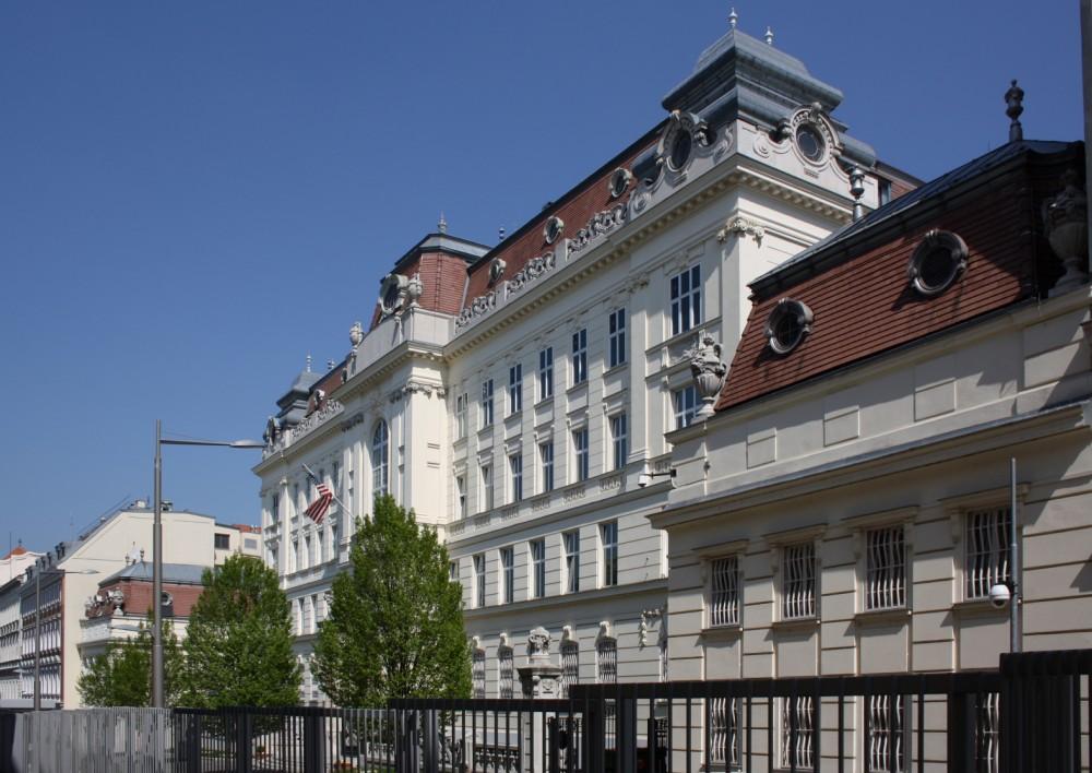 US Embassy in Vienna, USA Embassy, 2011<small>© Wikimedia Commons / Bwag [CC BY-SA 3.0]</small>