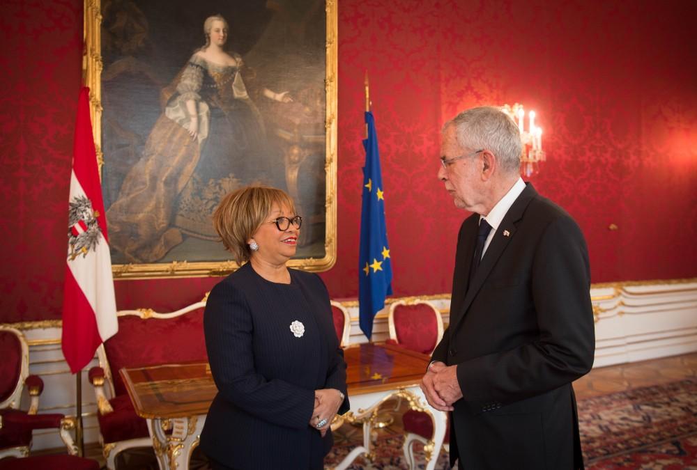 Teodolinda Rosa Rodrigues Coelho, Ambassador of Angola<small>© www.bundespraesident.at / Carina Karlovits / HBF</small>