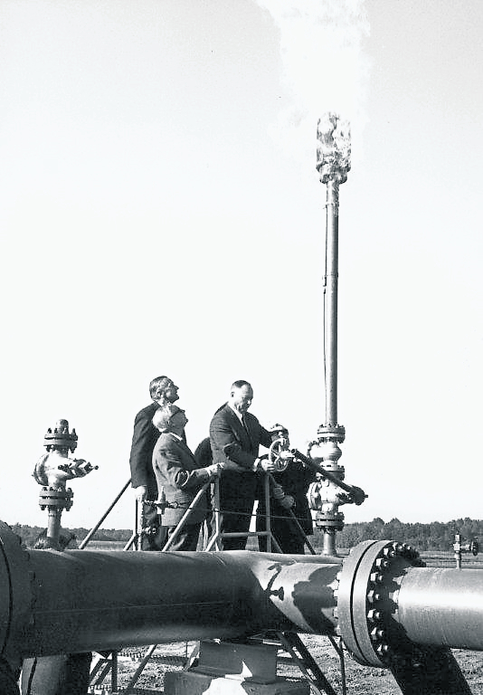 50 years natural gas supply contract signing - first gasflow<small>© OMV Aktiengesellschaft</small>