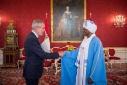 Ambassador of Sudan: H.E. Mr. Mirghani Abbaker Altayeb Bakhit<small>&copy www.bundespraesident.at / /Karlovits, Bauer und Heinschink / HBF</small>