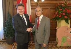 Chinese New Year in Vienna - Mayor Ludwig and H.E. Li Xiaosi<small>&copy Magistrat der Stadt Wien / C.Jobst/PID</small>
