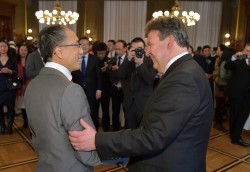 Chinese New Year in Vienna - H.E. Li Xiaosi and Mayor Ludwig<small>&copy Magistrat der Stadt Wien / C.Jobst/PID</small>