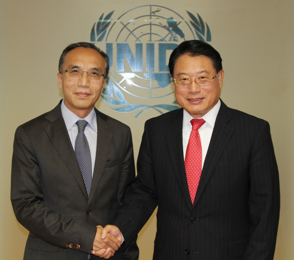 Li Xiaosi (left) and Li Yong (right)<small>© UNIDO / Flickr / (CC BY-ND 2.0)</small>