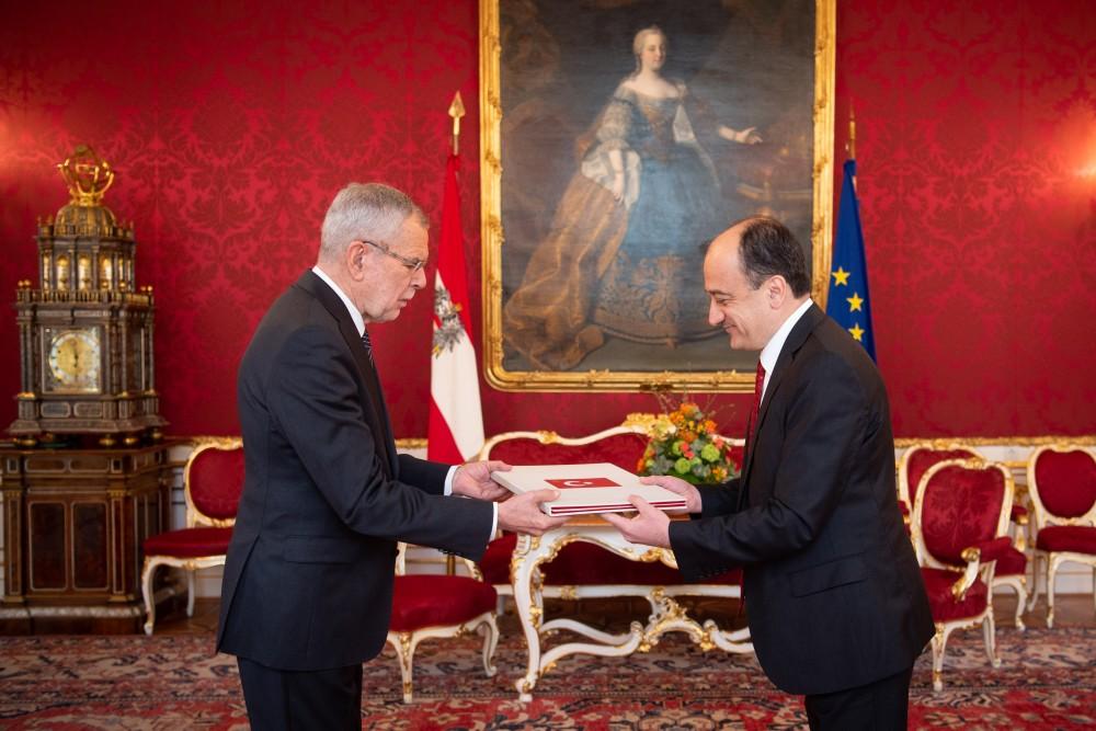 Ambassador of Turkey to Austria, Ümit Yardim<small>© bundespraesident.at / Carina Karlovits & Laura Heinschink/HBF</small>