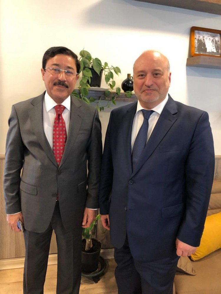 Mr. Khouja with Iraq Central Bank Governor Al-Allaq<small>© Austro-Arab Chamber of Commerce (AACC)</small>