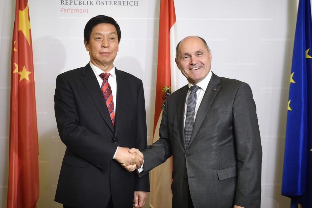 Li Zhanshu and Wolfgang Sobotka<small>© Parlamentsdirektion / Johannes Zinner</small>
