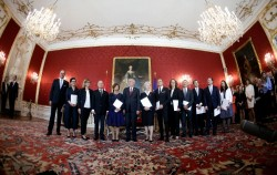 New Austrian Interim Government<small>© Bundeskanzleramt (BKA) / Dragan Tatic</small>