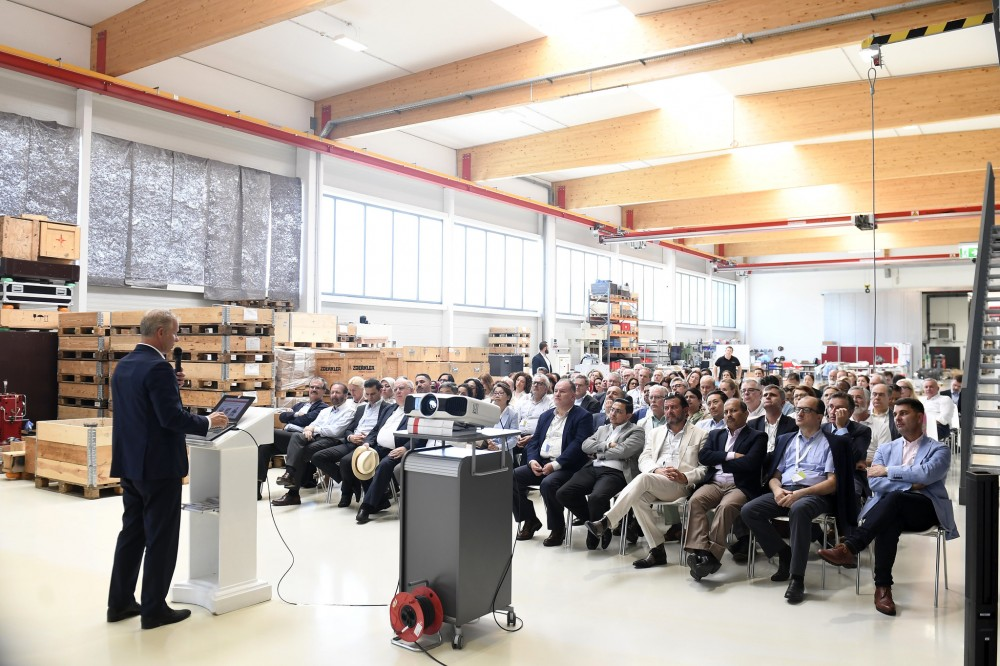 Participants of the Diplomatenausflug 2019<small>© BMEIA / Mahmoud / Flickr Attribution 2.0 Generic (CC BY 2.0)</small>