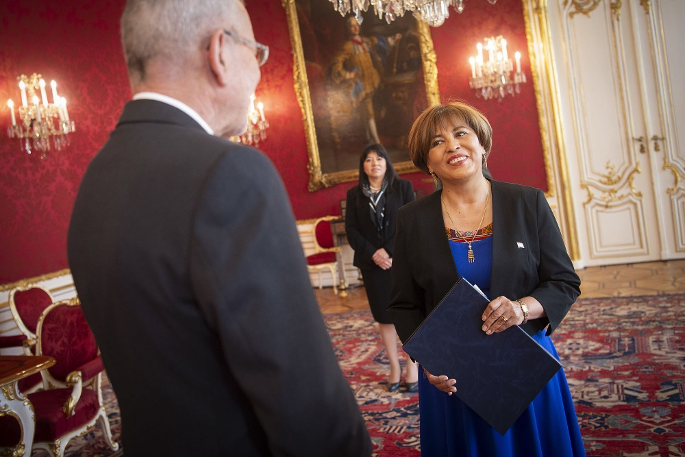 Bolivian Ambassador, Nardi Elizabeth Suxo Iturry<small>© www.bundespraesident.at / Lisa Kapici and Carina Karlovits / HBF</small>