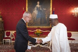 Ambassador of Sierra Leone, Mr. M´Baimba Lamin Baryoh<small>© www.bundespraesident.at / Lisa Kapici and Carina Karlovits / HBF</small>