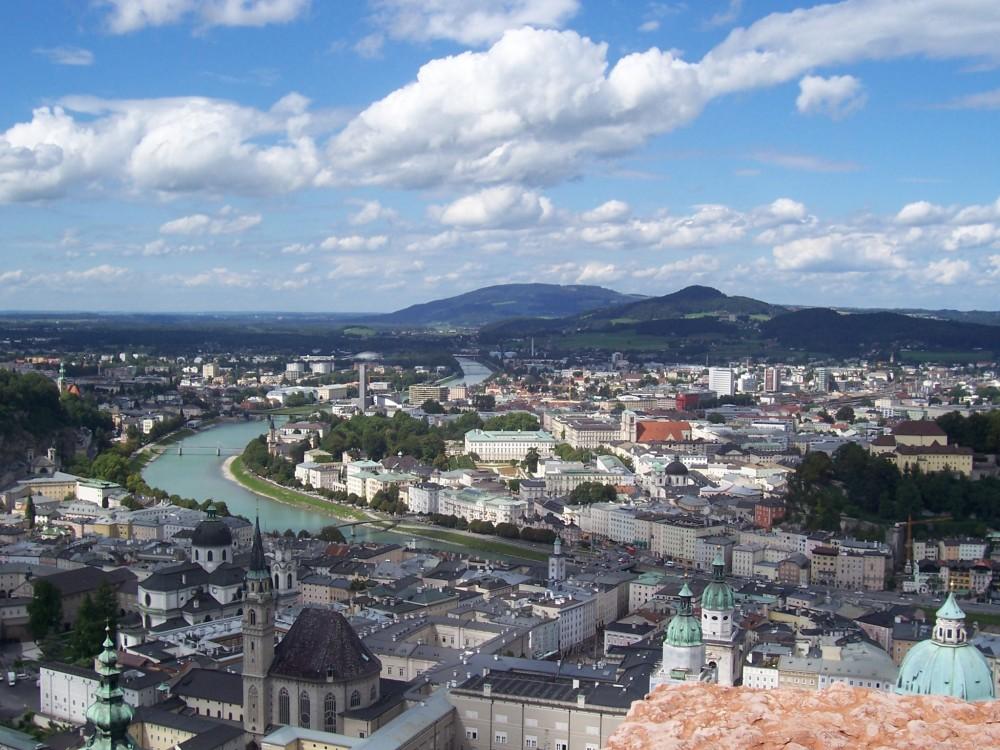 Salzburg, Altstadt von der Festung Hohensalzburg<small>© Wikimedia Commons / Pemolo [CC BY-SA 3.0]</small>