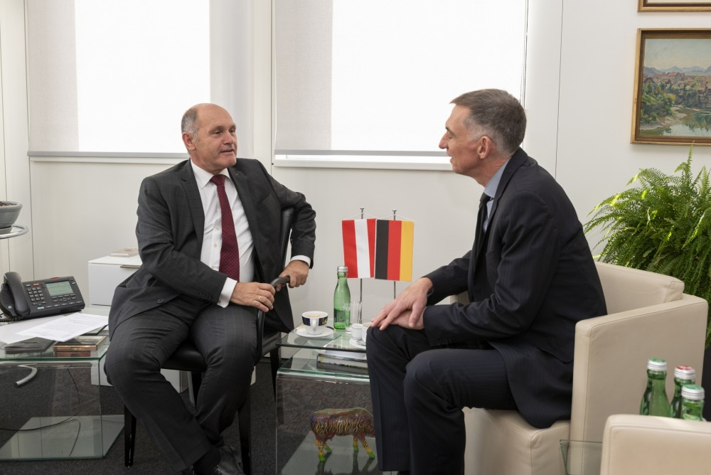 Ambassador of Germany Ralf Beste, Wolfgang Sobotka<small>© Parlamentsdirektion / Raimund Appel</small>