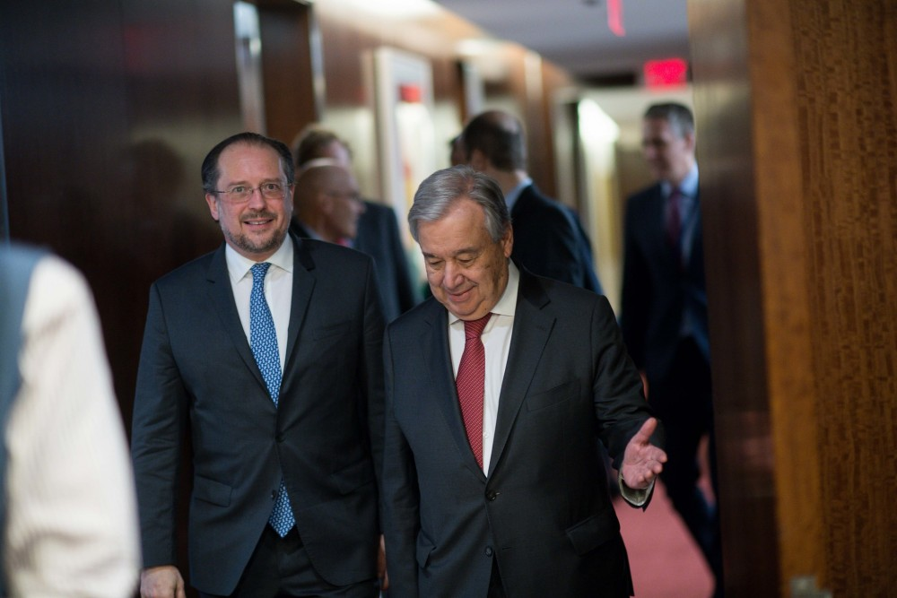 Alexander Schallenberg and Antonio Guterres (right)<small>© BMEIA / Gruber / Flickr Attribution (CC BY 2.0)</small>