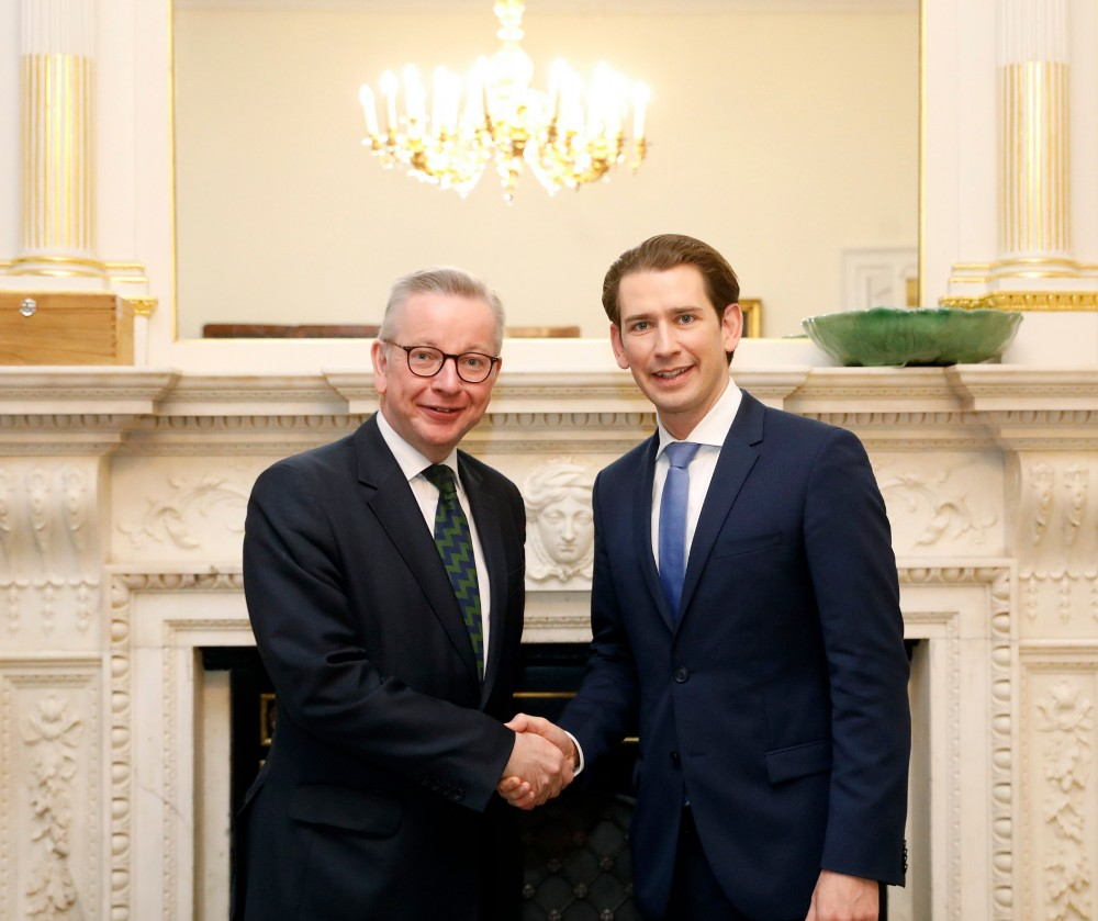 Kurz with State Secretary for Cabinet Affairs, Michael Gove.<small>© Bundeskanzleramt (BKA) / Dragan Tatic</small>