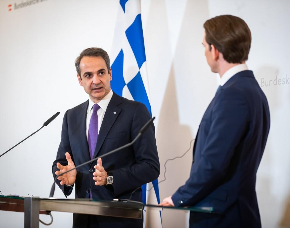 Kyriakos Mitsotakis with Sebastian Kurz<small>© Bundeskanzleramt (BKA) / Arno Melicharek (cropped)</small>