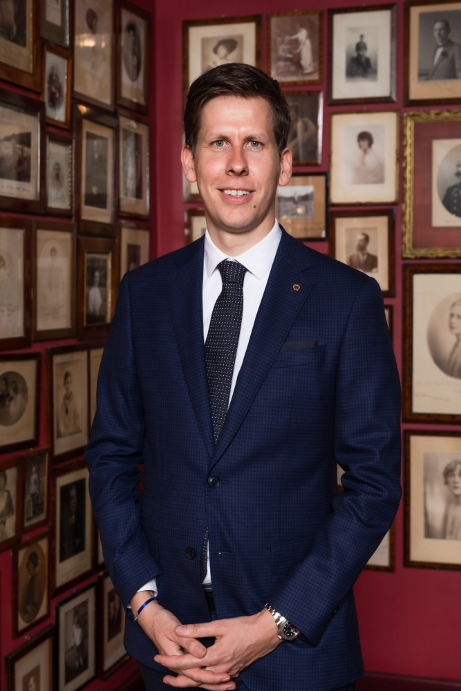 Andreas Keese is the new director of Hotel Sacher Vienna.<small>© Hotel Sacher / Photographer: Jakob Gsoellpointner</small>