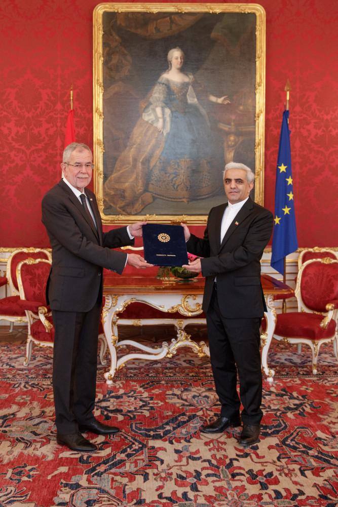 Ambassador of Iran, H.E. Mr. Abbas Bagherpour Ardakani.<small>© www.bundespraesident.at / Peter Lechner and Harald Minich / HBF</small>