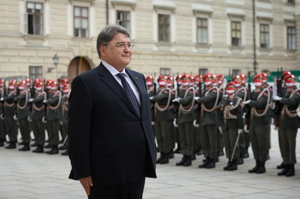 Ambassador of Romania to Austria, Mr. Emilian Horațiu Hurezeanu<small>© bundespraesident.at / Peter Lechner / HBF & Lukas Hardt-Stremayr</small>