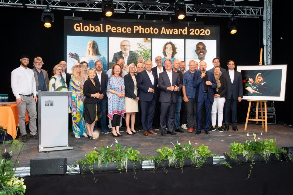 Participants at 2020 Global Peace Photo Awards<small>© Parlamentsdirektion / Anna Rauchenberger</small>