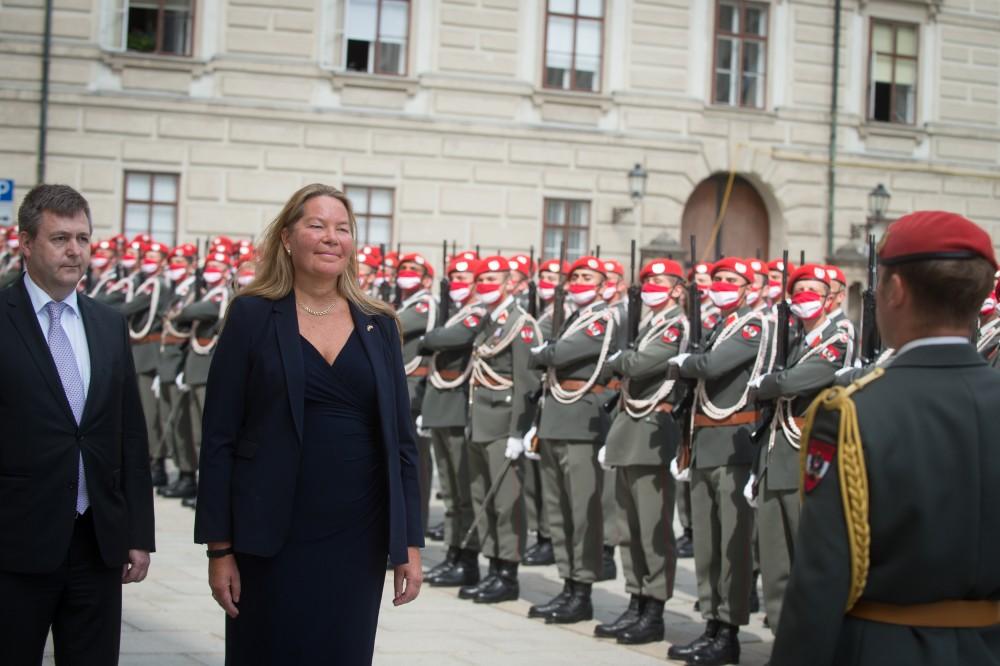 Ambassador of Sweden to Austria Annika Markovic (mid)<small>© www.bundespraesident.at / Peter Lechner / HBF</small>
