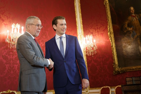 In the Presidency Chancellery: Van der Bellen has started a round of talks with ÖVP leader Sebastian Kurz and the other leaders of the future parties represented in Parliament.<small>© Österreichische Präsidentschaftskanzlei / Peter Lechner/HBF</small>