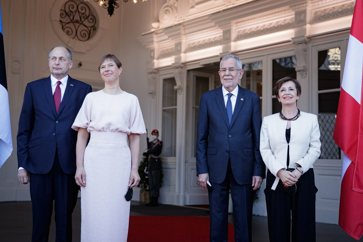 The Estonian President, Kersti Kaljulaid, and her husband (left) have visited Austria's President Alexander Van der Bellen and his wife (right) in Vienna.<small>© www.bundespraesident.at / Peter Lechner / HBF</small>