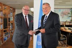 Ambassador of Belgium to Austria: H.E. Mr. Ghislain D'Hoop with UNOV's Yury Fedotov<small>© Embassy of Belgium in Vienna</small>