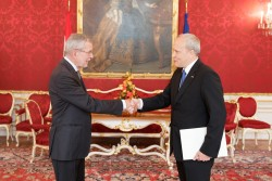 New Ambassador of the Republic of Estonia to Austria, H.E. Mr. Toomas Kukk, presenting Letter of Credence to Austrian Federal President Alexander Van der Bellen at the Imperial Palace in Vienna<small>&copy www.bundespraesident.at / Peter Lechner / HBF</small>