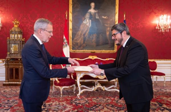 Ambassador of the Republic of Guatemala to Austria: H.E. Mr. Manuel Estuardo Roldán Barillas<small>© www.bundespraesident.at / Carina Karlovits and Daniel Trippolt/HBF</small>