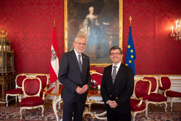 Ambassador of the Republic of Paraguay to Austria, H.E. Mr. Juan Francisco Facetti.<small>© www.bundespraesident.at / Karlovits, Bauer und Heinschink / HBF</small>
