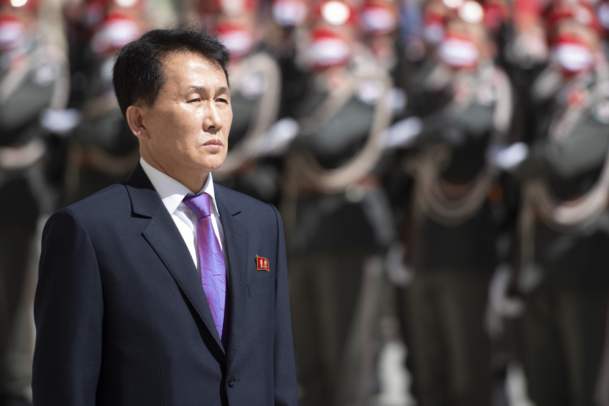 The new face of North Korea in Vienna: Ambassador of the Democratic People's Republic of Korea to Austria, H.E. Mr. Choe Kang Il.<small>© www.bundespraesident.at / Peter Lechner and Harald Minich / HBF</small>