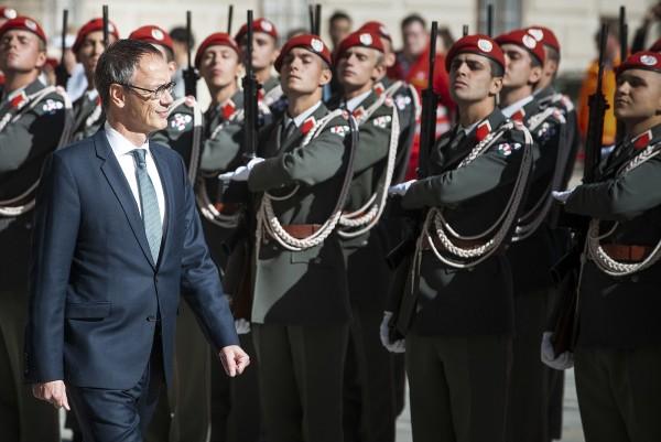 The new Ambassador of the Kingdom of the Netherlands to Austria, H.E. Mr. Albert Hendrik Gierveld.<small>© www.bundespraesident.at / Carina Karlovits and Peter Lechner / HBF</small>