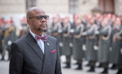 Ambassador of the Republic of Zambia to Austria: H.E. Mr. Anthony Mukwita.<small>© www.bundespraesident.at / Carina Karlovits and Daniel Trippolt/HBF</small>