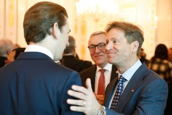 Chancellor Kurz with US Ambassador Trevor Traina (right) and Russian Ambassador Dmitry Lyubinskiy (centre).<small>© Bundeskanzleramt (BKA) / Dragan Tatic</small>