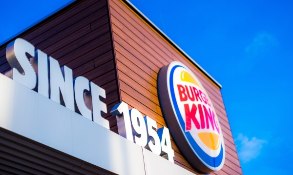Austrian Burger King master franchisee and developer TQSR Holding und Development GmbH, a company of the THEOPHIL Group owned by the family of the Viennese business lawyer Dr. Dieter Spranz, takes over the Rosenberger Restaurants.<small>© BURGER KING®</small>