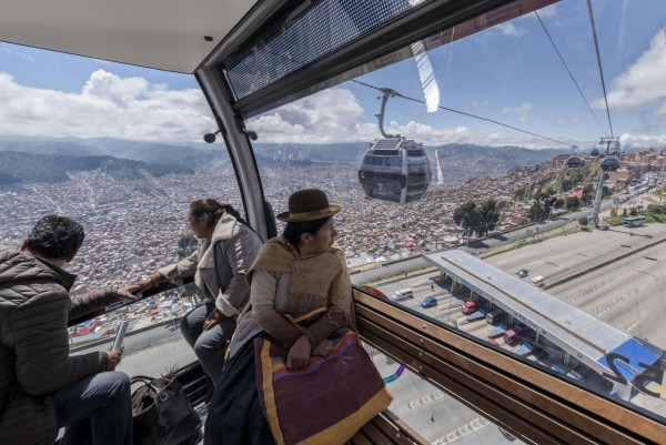 Línea Plateada in La Paz and El Alto: Largest ropeway contract in the company's history.<small>© Doppelmayr Seilbahnen GmbH</small>