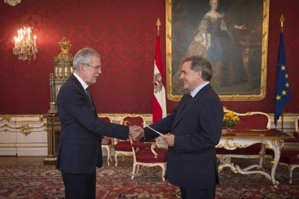 H.E. Mr. François Saint-Paul is Ambassador Extraordinary and Plenipotentiary of the French Republic to the Republic of Austria.<small>© www.bundespraesident.at / Daniel Trippolt / HBF</small>