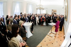 Federal Chancellor Brigitte Bierlein, together with Foreign Minister Alexander Schallenberg, hosted a reception at the Federal Chancellery on the occasion of Rosch Haschana.<small>© Bundeskanzleramt (BKA) / Andy Wenzel</small>
