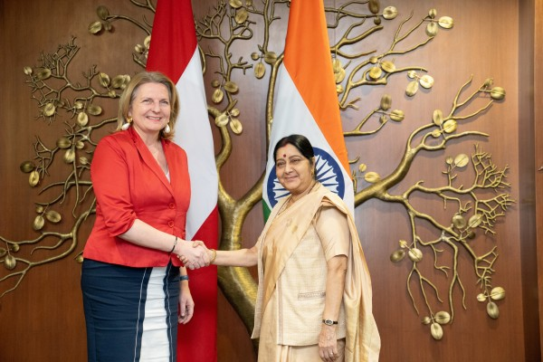 Minister Kneissl and H.E. Ms. Swaraj held cordial discussions on various aspects of bilateral ties as well as important regional and multilateral issues of mutual interest.<small>© BMEIA Bundesministerium für Europa, Integration und Äußeres / Flickr Attribution 2.0 Generic (CC BY 2.0)</small>