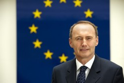 Disappointment for Karas. After only one more year he has to step aside.<small>&copy Besseres Europa / Othmar Karas</small>