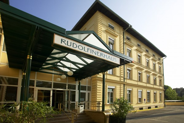 Rudolfinerhaus Private Hospital: Entrance Area.<small>© Rudolfinerhaus Privatklinik GmbH</small>