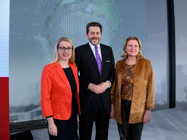 The new Austrian foreign trade strategy (Außenwirtschaftsstrategie) was presented by Schramböck, Mahrer and Kneissl.<small>© BMDW Federal Ministry for Digital and Economic Affairs / Hartberger</small>