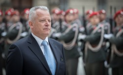 New Ambassador of Montenegro to Austria Mr. Zeljko Perovic presenting Letter of Credence to Austrian Federal President Alexander Van der Bellen at the Imperial Palace in Vienna<small>&copy www.bundespraesident.at / Daniel Trippolt / HBF</small>